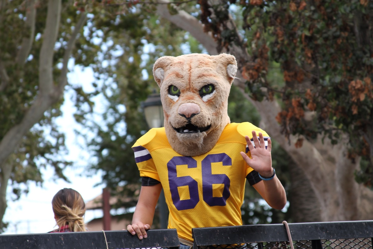 ESCALON SPORTS - HOMECOMING PARADE AND FRIDAY NIGHT FOOTBALL AT ESCALON HIGH SCHOOL.