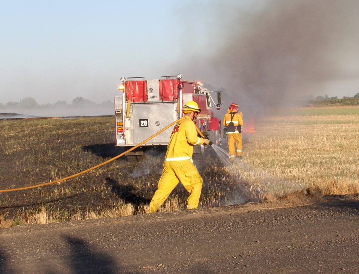 GRASS FIRE THIS EVENING ON LONE TREE ROAD AT HENRY ROAD.