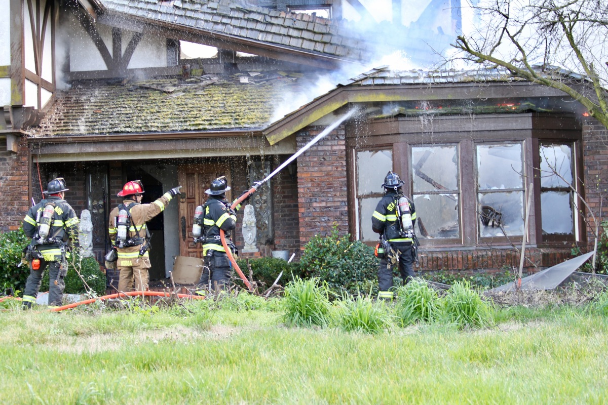 Multiple Agencies Respond to Oakdale Structure Fire.