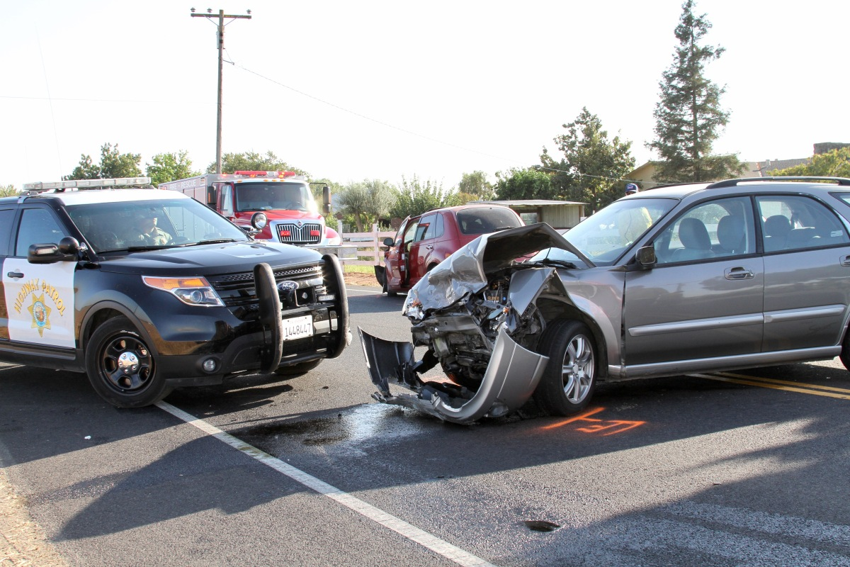 Two-Vehicle Injury Accident on Escalon Bellota Road near Edwards Road